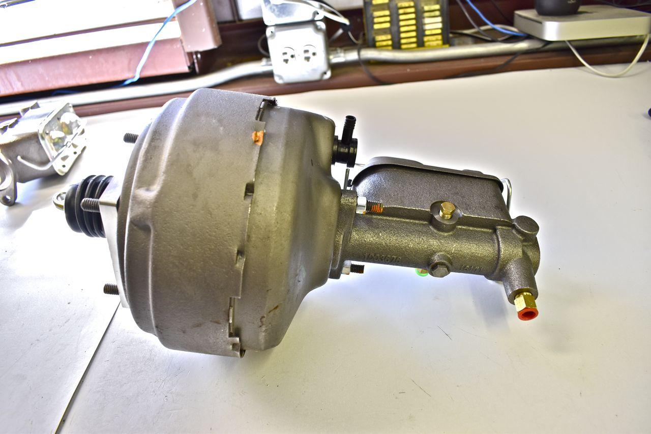 agalaxieworks.com_sites_forum_pics_1968_LTD_Brakes_Brake_booster_master_03.jpg