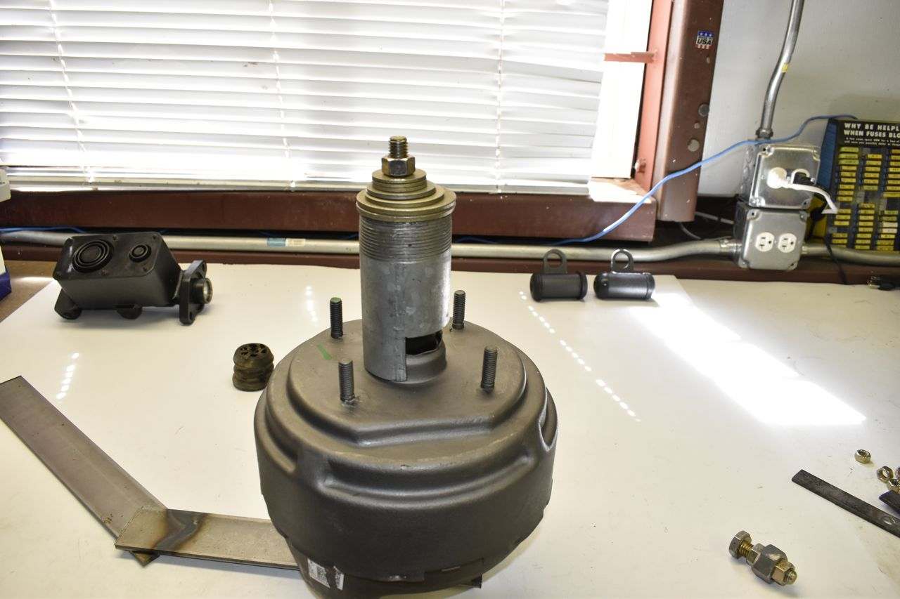 agalaxieworks.com_sites_forum_pics_1968_LTD_Brakes_Brake_booster_master_21.jpg