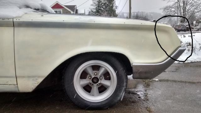 asidneybc.ca_automobiles_meteor_1964_Meteor_fender_trim_location.jpg